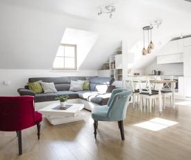 Baron Deluxe Arthouse Apartment